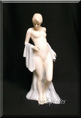 ROYAL DOULTON Bathing Beauty Figurine HN3156 - Reflections Series