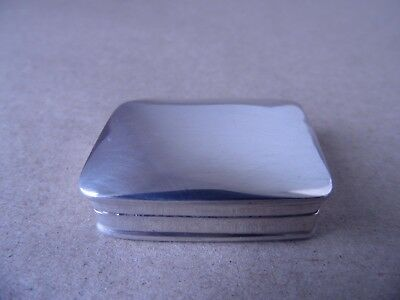 Excellent Sterling Silver Snuff/ Pill Box London Imported 1991