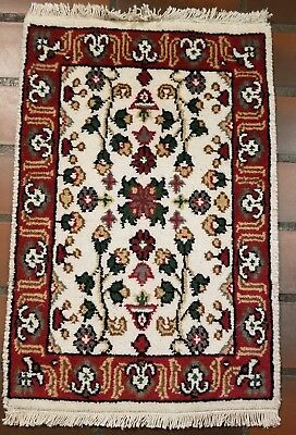 Classic Persian Wool Hand Loomed Sarouq Laptop 1.4X2.1Ft Rug Q430