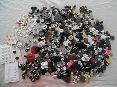 Huge lot of Antique/Vintage Buttons Over 3 LBS