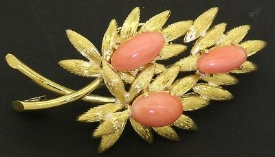 Heavy vintage 18K gold beautiful 11.6 X 7.9mm Pink coral floral brooch