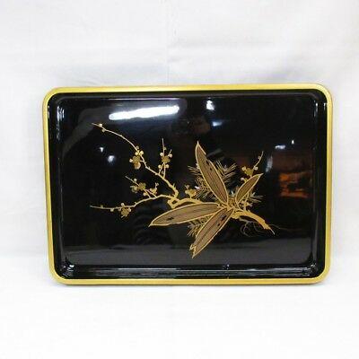 A087: Japanese old lacquered tray with popular SHOCHIKUBAI MAKIE and NASHIJI