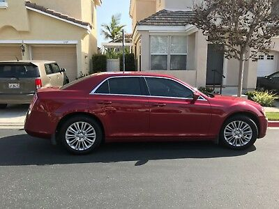 2014 Chrysler 300 Series leather Chrysler 300 Series