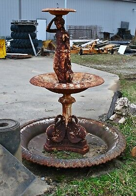 Large Early 1900s Cast Iron Fountain