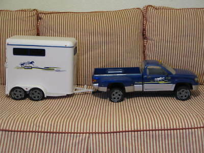 Retired 2002 BREYER Horse Pickup Truck and Horse Trailer  Adult Owned Great Cond