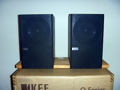 KEF Q100 Bookshelf Speakers Finish