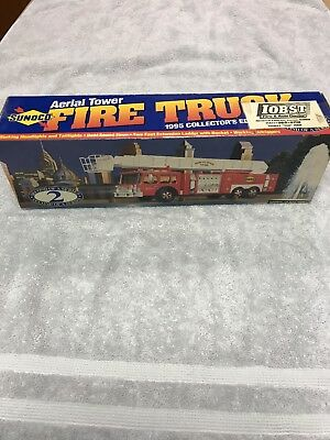 NEW Sunoco 1995 Collector Series 2 Aerial Tower Fire Truck Sun Oil Marcus Hook