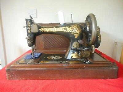 Vintage Singer 28 Hand Crank Sewing Machine With Oblong Case
