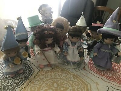 Precious Moments Wizard Of Oz Set Of 8 Figurines With Stands.Excellent Condition