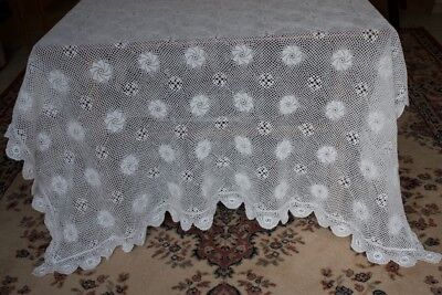 Vintage finely crocheted tablecloth 126 x 166cm