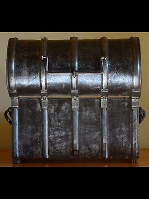 Extremely Rare Late 15th Century Wrought Iron Casket Armada Nuremberg Coffret