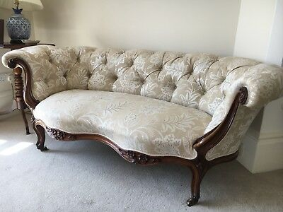 Beautiful Victorian antique sofa in immaculate condition