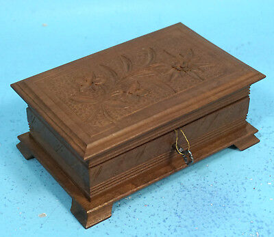 Antique Swiss Black Forest Wood Carving Jewelry Trinket BOX Edelweiss Key c1915