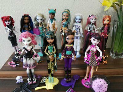 Monster High Puppen Basic School's Out Torale C.A.Cupid Nefera Cleo Draculaura