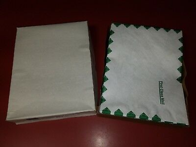 100 Tyvek Envelopes First Class / Business Source 65859 / Old Stock / Free Ship!