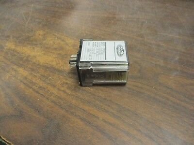 Wilkerson Mighty Module Relay MM4051 Input: 2.2mVDC Output: 0/10VDC Used