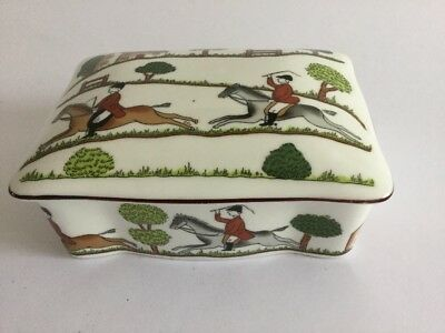 CROWN STAFFORDSHIRE HUNTING SCENE LIDDED TRINKET BOX ~ 2nd Quality