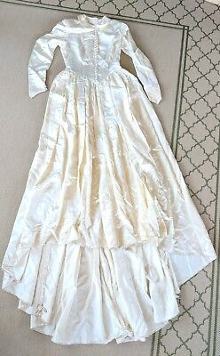 Vintage Shirt Front Satin Covered Button Wedding Dress Gown Long Train