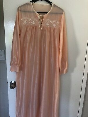 Vintage Peach Long Nightgown Size 10-12
