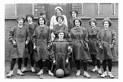 pt5587 - Barnsley Ladies Football team , Yorkshire - photo 6x4