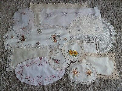 Vintage Lot of table linens, tablecloths, table centres, doilies