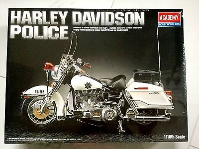 Academy 1/10 Harley-Davidson Police Plastic Motorcycle Kit #1519  Factory Sealed