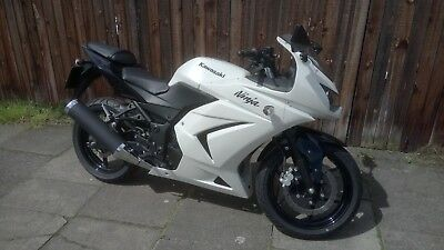 Kawasaki Ninja 250 - Excellent Condition - Only 1077 Miles From New!!