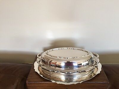 Lovely 2 Handled Silver Plated Oval Shaped Lidded Entree Dish & Tray (Sped 44E)