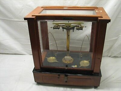 Vintage Amend Chemistry Lab Apothecary Scale Analytical Balance Glass Wood Case