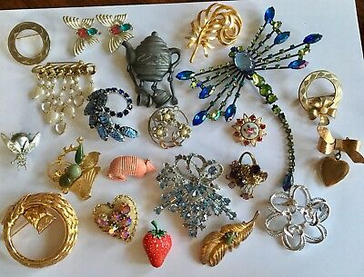Mixed lot of Vintage & Modern Pins Brooches Butterfly, Dragonfly, Armadillo