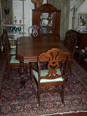 Antique Mount Airy Dark Wood Dining Room Table With 6 Chairs And Leaf