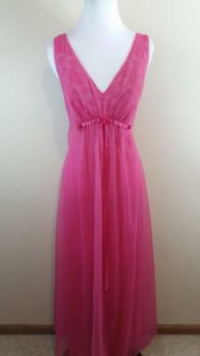 Vintage VANITY FAIR Hot Pink Layered Lace Negligee Bridal Long Nightgown 36, S-M