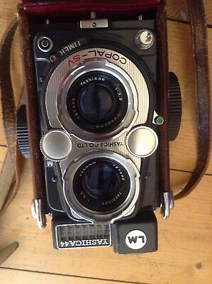 Yashica 44 LM Vintage 1959 TLR Medium Format Camera.