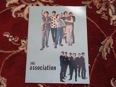 Association VINTAGE 1966 CONCERT TOUR PROGRAM W PUBLICITY PHOTO & PRIVATE PHOTO!