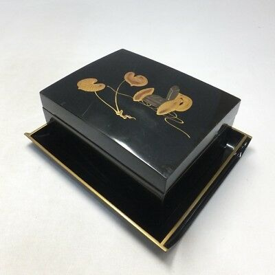 B005: Japanese old lacquer ware accessory case with tray and good MAKIE