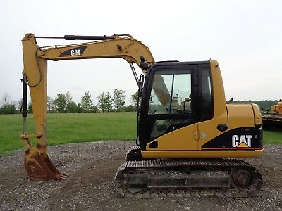 2003 Caterpillar 307C Excavator, Cab/Heat/Air, 12Ft max Digging Depth, 4,332hrs