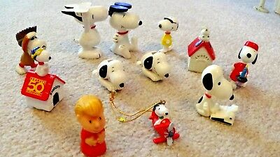 Vintage PEANUTS GANG Rubber ACROBAT SNOOPYS, Bow Biters, Doghouses, PVC Figures