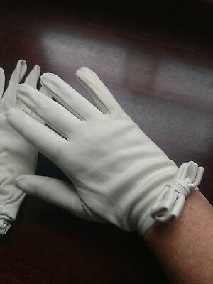 Vintage Christian Dior Cotton Ivory Gloves with bows sz 7 Bonwit Teller