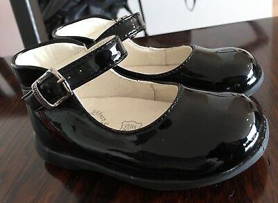 Stunning Girls Primigi Black Patent Leather Party Shoes Size 20