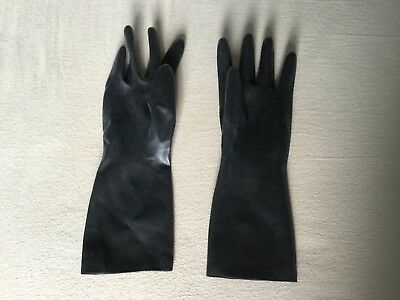 Black latex rubber wrist gloves medium to large size