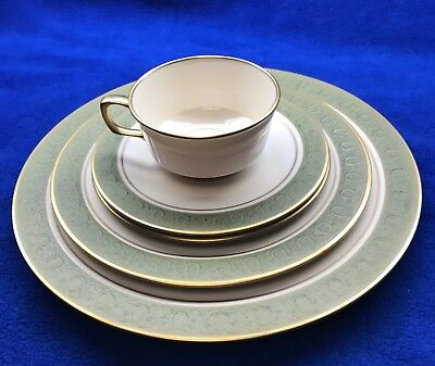 "5 Piece Elegant Vintage 1960's Franciscan ""Antique Green"", Place Setting"