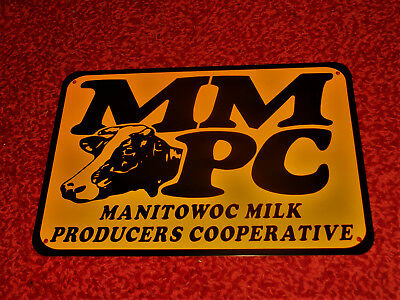 "Manitowoc Milk Producers Cooperative 17""x11"" NOS Vintage Metal Display Sign Cow"