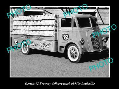 OLD LARGE HISTORIC PHOTO OF OERTELS 92 BREWERY DELIVERY TRUCK, LOUISVILLE c1940s