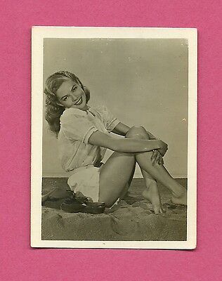 Dana Drake Leggy Barefoot Vintage 1950 Greiling Movie Film Star Cigarette Card