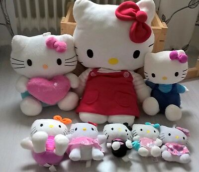 8 Hello Kitty Plüsch Figuren inkl. 60 cm. Figur