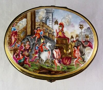 Small Antique Capodimonte Italian Porcelain Trinket Box - Soldiers, Horses, Gold