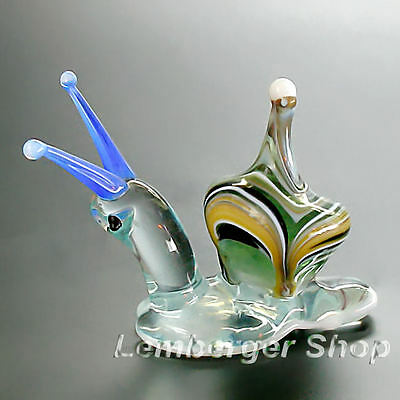 Glass figurine snail made of colored glass. Lenght 5 cm / 2 inch