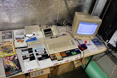 Commodore 64 + 1571 Disk Dive + 1802 Monitor + Datassette + Games & Carts Works