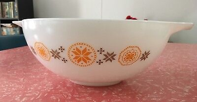 """Pyrex """"Town and Country"""" Bowl, Large Size (Edited listing: extra photos added)"""