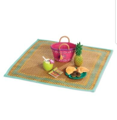 American Girl - Lea Clark - Lea's Beach Picnic Set For American Girl Dolls. (8i)